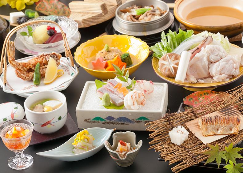 ユウベルホテル松政の料理長が吟味する季節のお料理をご堪能下さいませ。