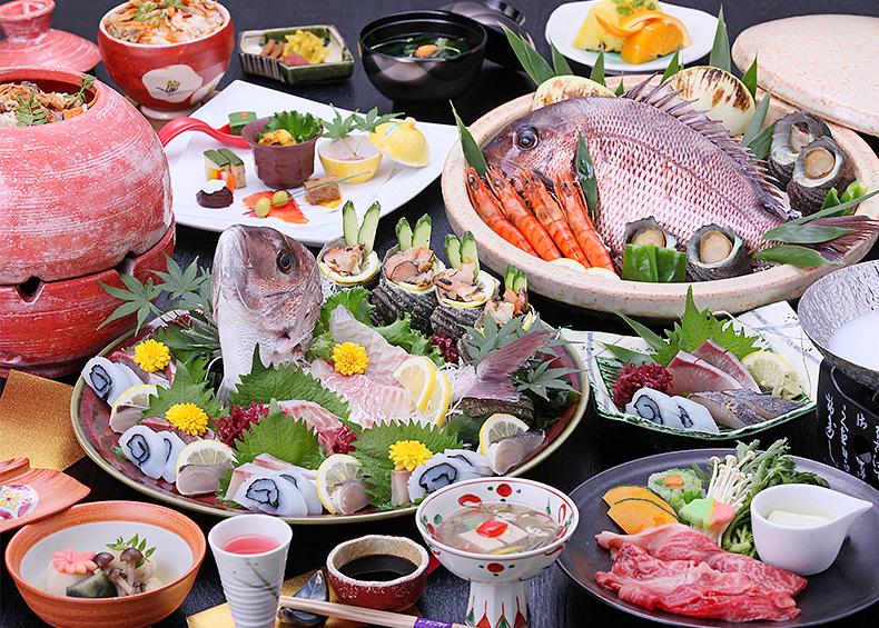 料理の一番美味しい瞬間を味わっていただくため、サービス、料理、器、空間の四つの美意識が一体となり、最高のおもてなしを提供いたします。