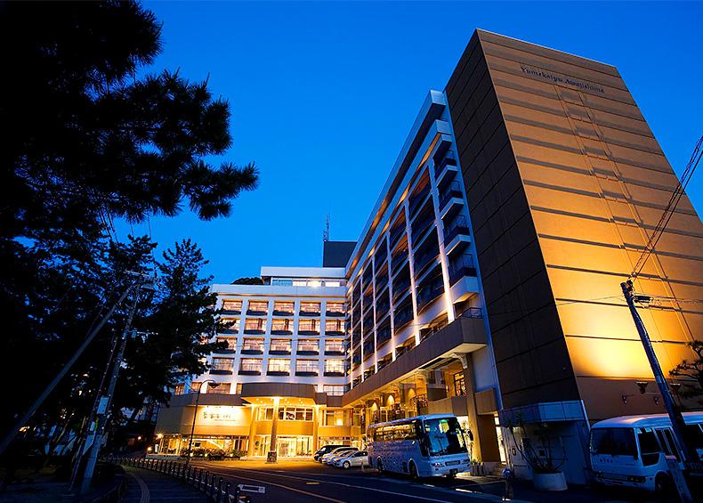 海の青さと山の緑に囲まれた温泉リゾートホテル 『夢海游 淡路島』
