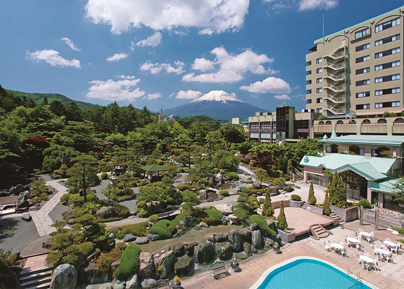 富士山の見える温泉旅館 河口湖周辺、山梨の宿 。眺望と広大な日本庭園が人気。