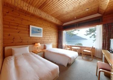 高島市へ行こう!奥琵琶湖マキノグランドパークホテル(山側又は湖側、1泊夕朝食付又は朝食付の選択可) )