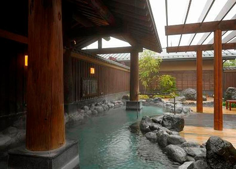 富士山の眺望と富士の恵みを五感で満喫できるふじやま温泉。