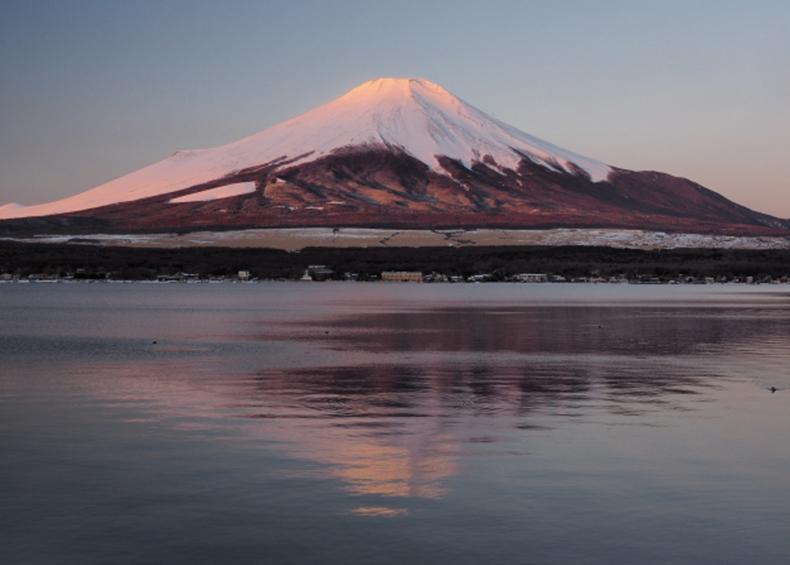標高1000m、富士山にいちばん近い湖「山中湖」